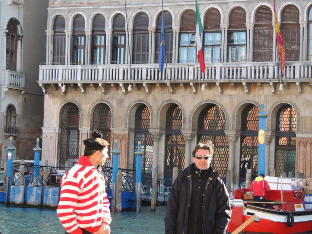 It was them....the gondoliers